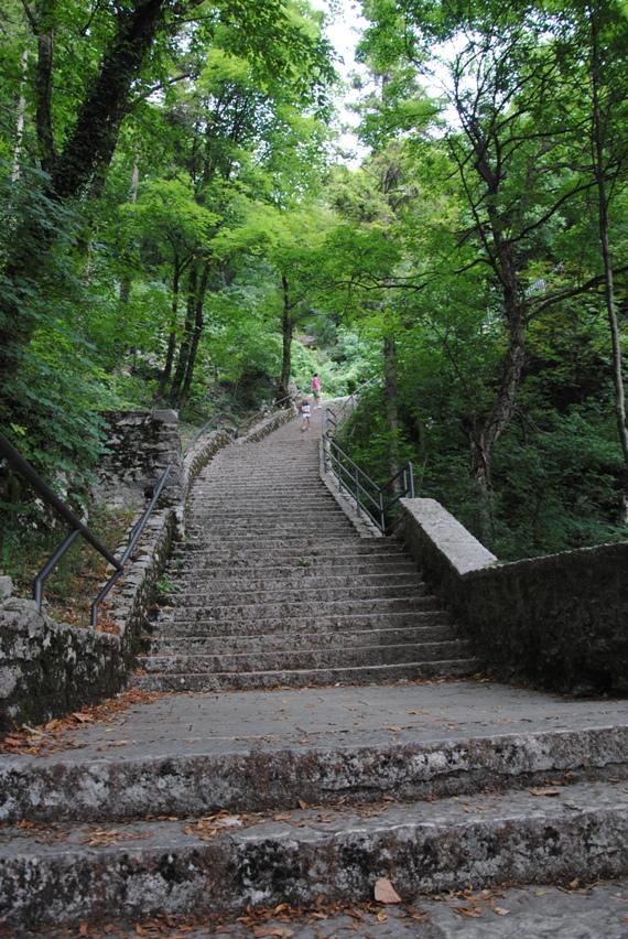 Madonna della Corona scalinata