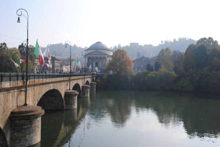 Ponte Vittorio Emanuele e la chiesa della Gran Madre