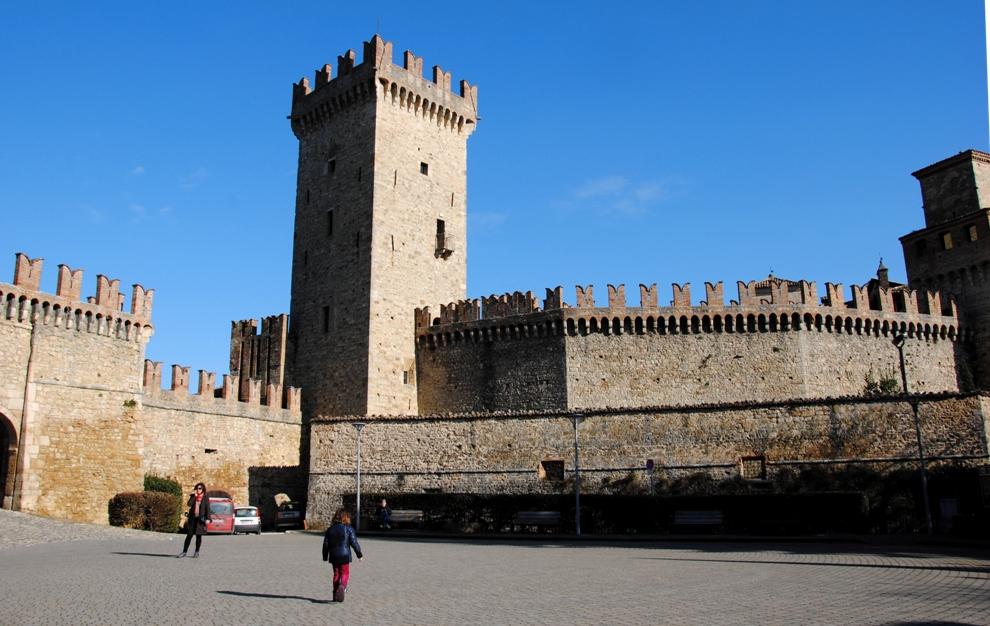 Vigoleno castell arquato fontanellato una famiglia - Porta del cielo piacenza ...