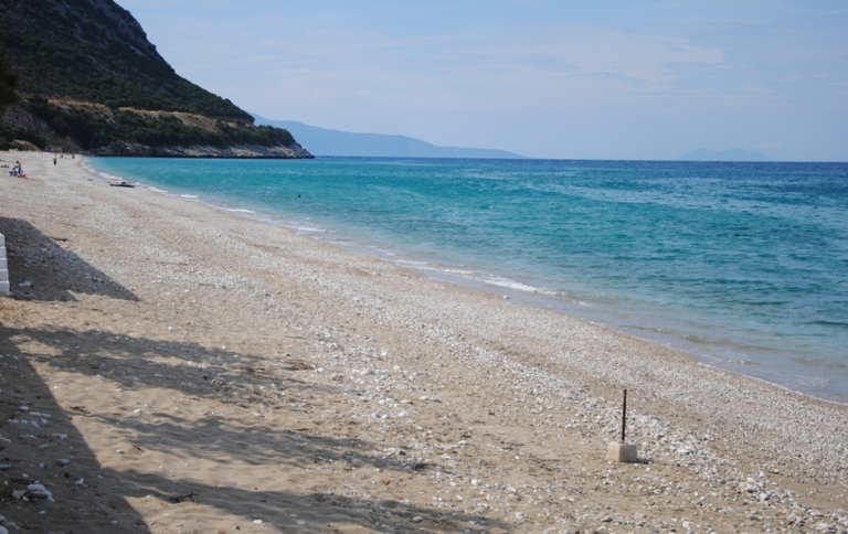 spiaggia tra Skala e Poros