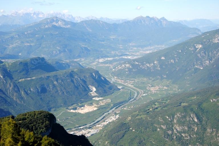 la Val d'Adige vista da Castelberto